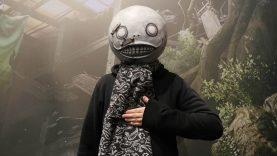 Yoko taro festeggia il primo anniversario di nier:automata